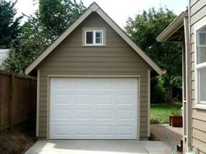 Garage small by house